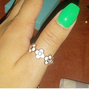 White enamel rose gold flower ring